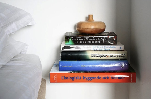 Create Your Own Invisible Floating Shelves