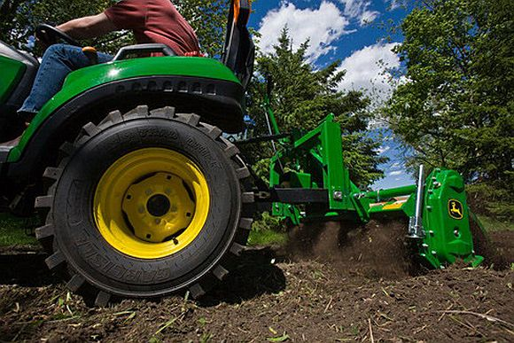 John Deere Unites Landscaping Artists In Virtual Lawnscape Community