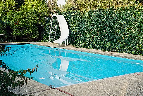 Pools ChlorineVSaltwater Swimming Pool Face Off: Salt Water v. Chlorine
