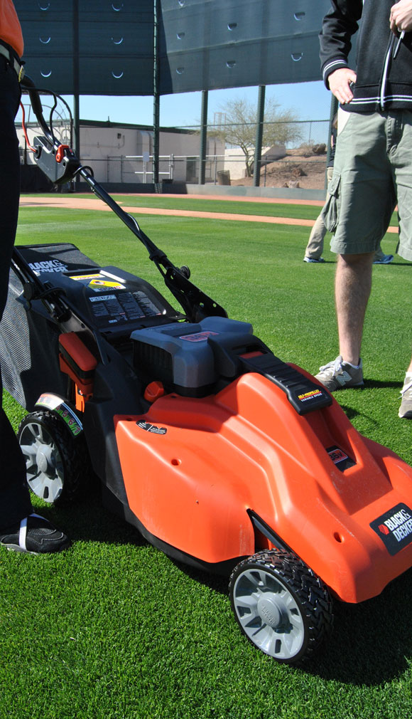 black-decker-electric-mower.jpg