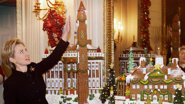 clinton gingerbread house White House Christmas Decorating Ideas