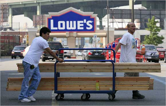 Lowe's Closing Stores and Cutting Jobs