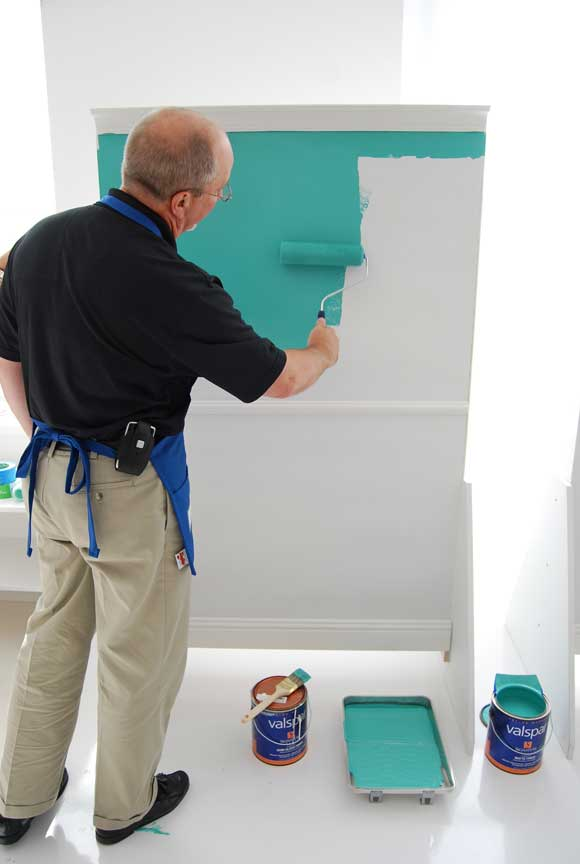 lowes valspar pro painter Nate Berkus Shows Us How to Mix It Up with Valspar Paint and Lowes