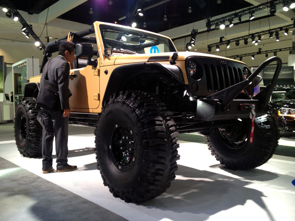 mopar jeep LA Auto Show Kicks Into High Gear