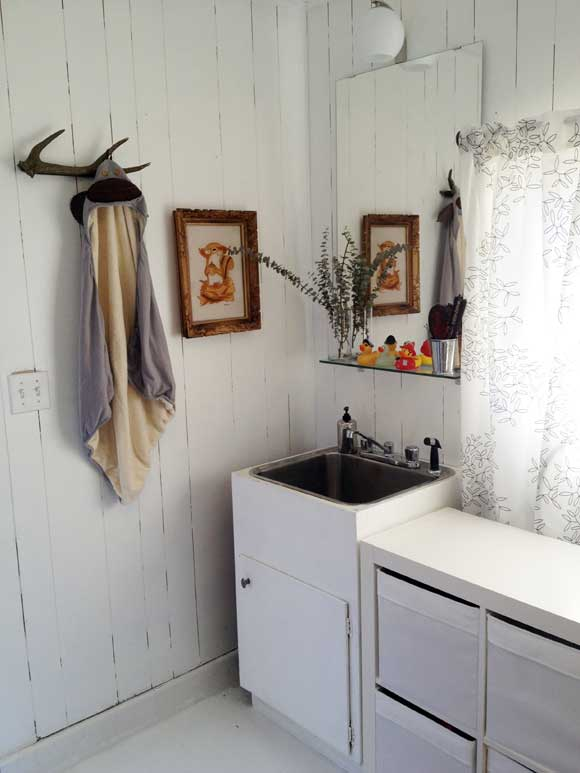 sink big vert The Best Laundry Room Upgrades