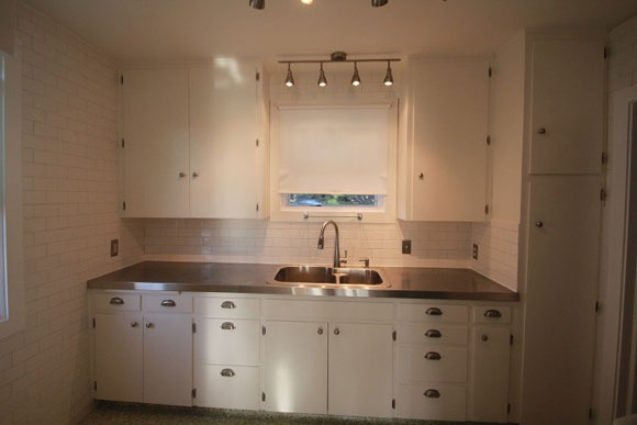 How to install stainless steel kitchen countertops for Stainless steel bathroom countertops
