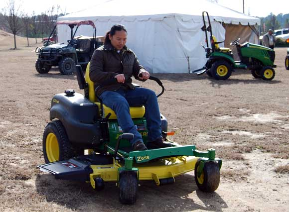 turning zero turn mower How To Use a Zero Turn Mower