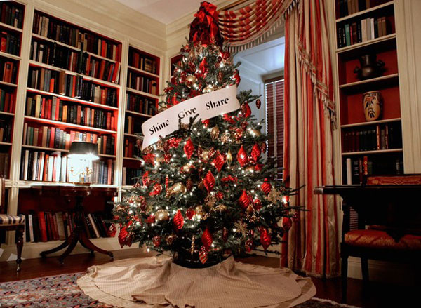 white house tree obama White House Christmas Decorating Ideas