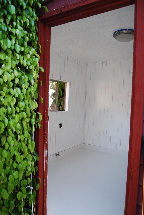 white-room-exterior-shot.jpg