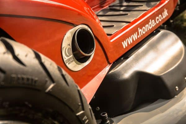 Lawn Tractor Exhaust : Honda unleashes a hp lawn tractor