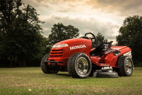 Honda Unleashes a 109HP Lawn Tractor