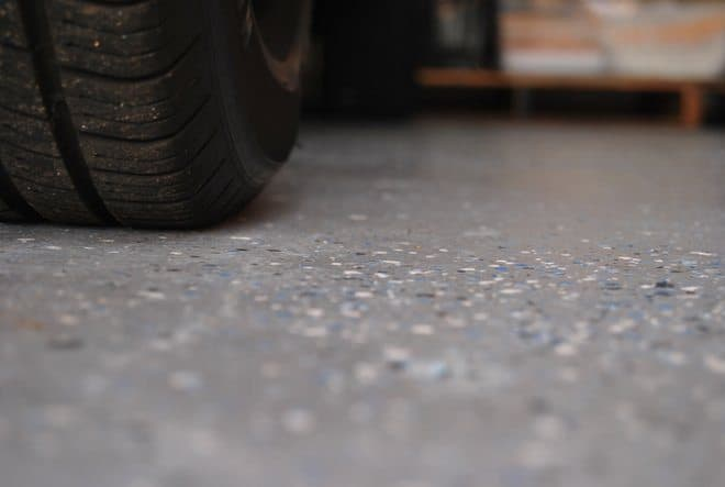 Rust-Oleum-EpoxyShield-Garage-Floor_0200