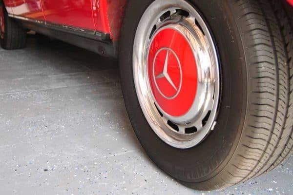 Garage Floor Makeover with Rust-Oleum EPOXYSHIELD