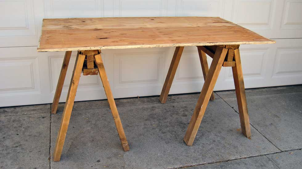 How to build a sawhorse table Sawhorse desk legs