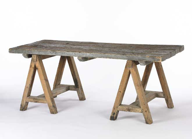 rustic-sawhorse-table
