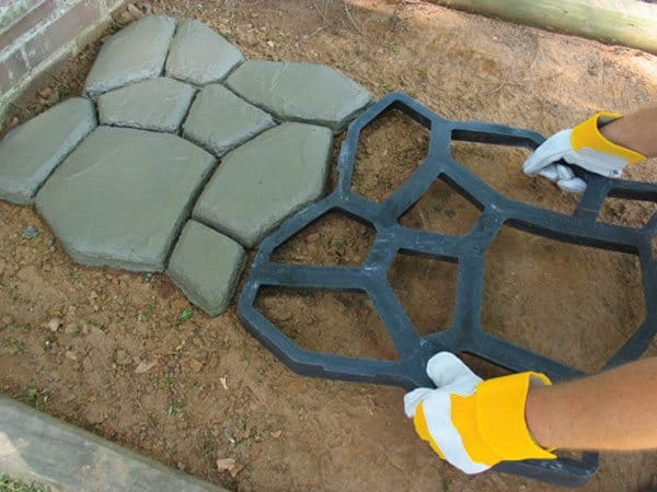 Quikrete-Walk-Maker-Country-Stone-rotate