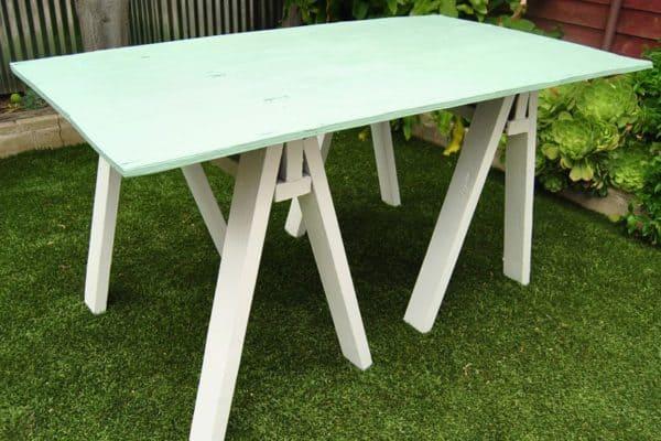 Build a Sawhorse Table