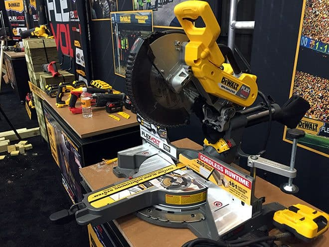 Dewalt Flexvolt Cordless Miter Saw – First Look
