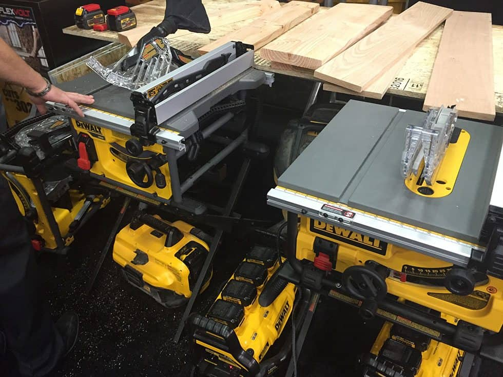 Dewalt flexvolt 60v battery cordless tools for 12 dewalt table saw