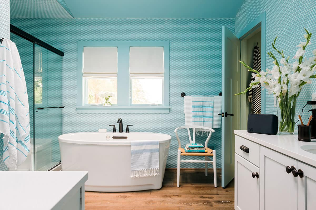 HGTV Urban Oasis 2016 master bath