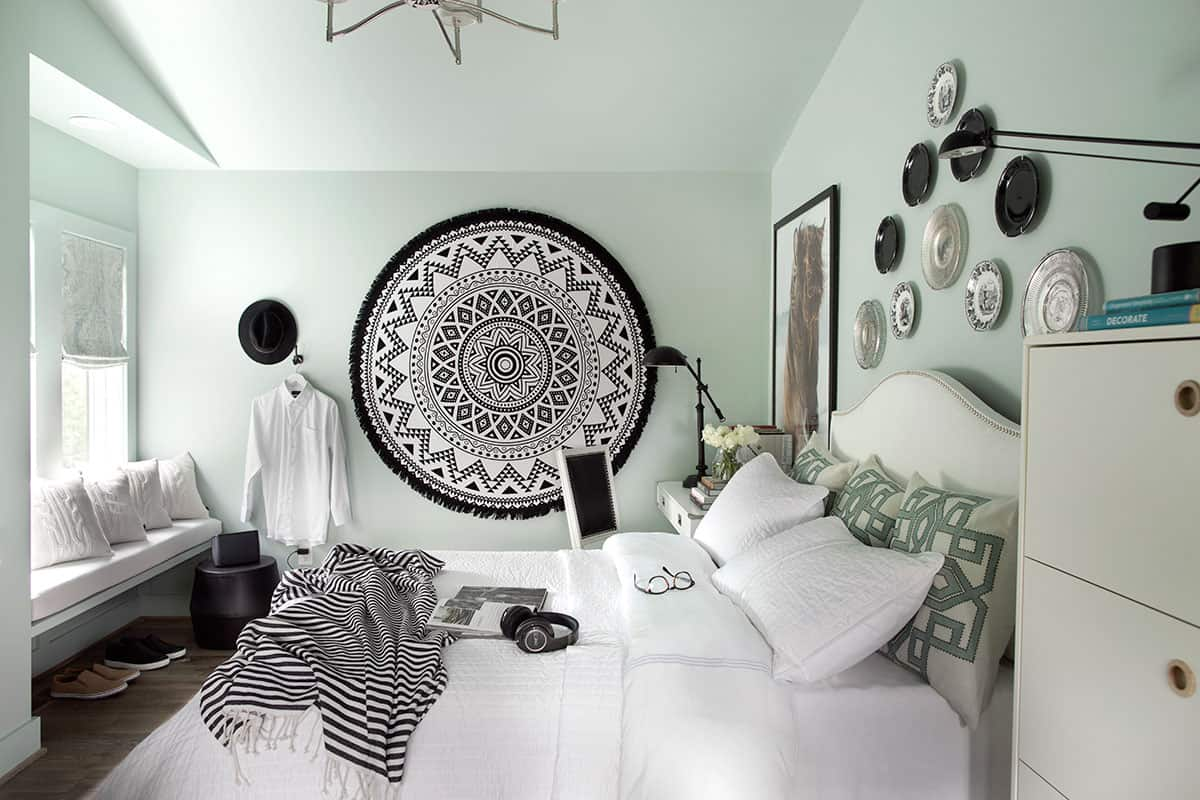 HGTV Urban Oasis 2016 master bedroom