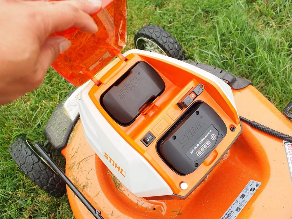 stihl lawnmower cordless