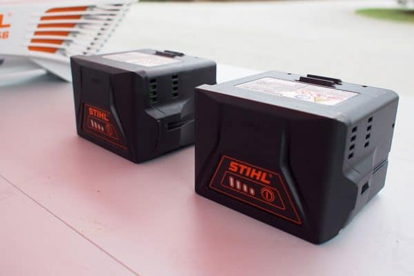 stihl-lightning-batteries