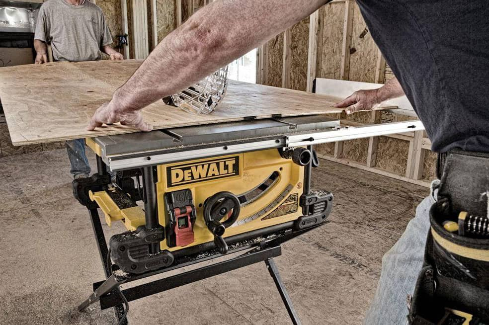dewalt table saws dwe7490x 66 1000
