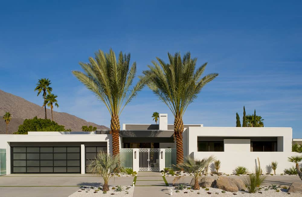 Clopay Avante Collection Palm Springs