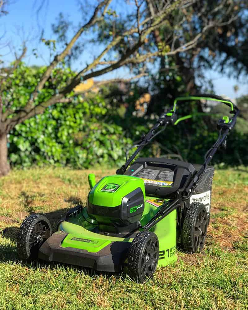 greenworks-60v-electric-mower