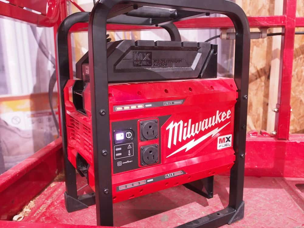 Milwaukee MX generator