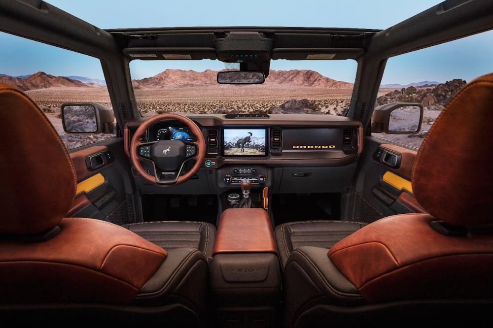 Bronco 2dr Interior 01