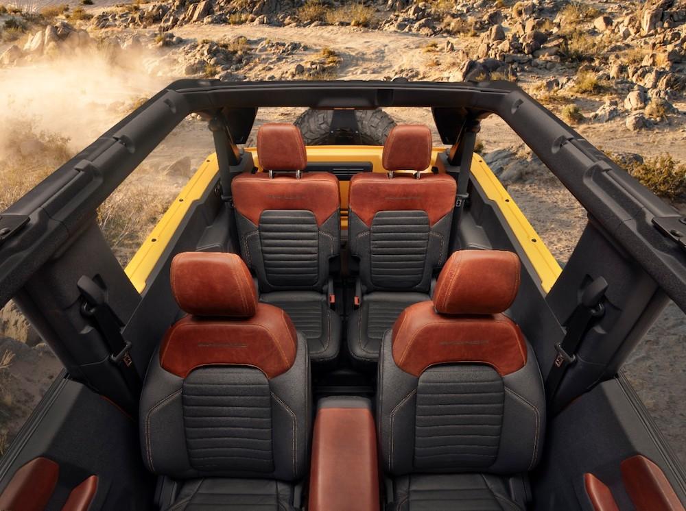 Bronco 2dr Interior 02