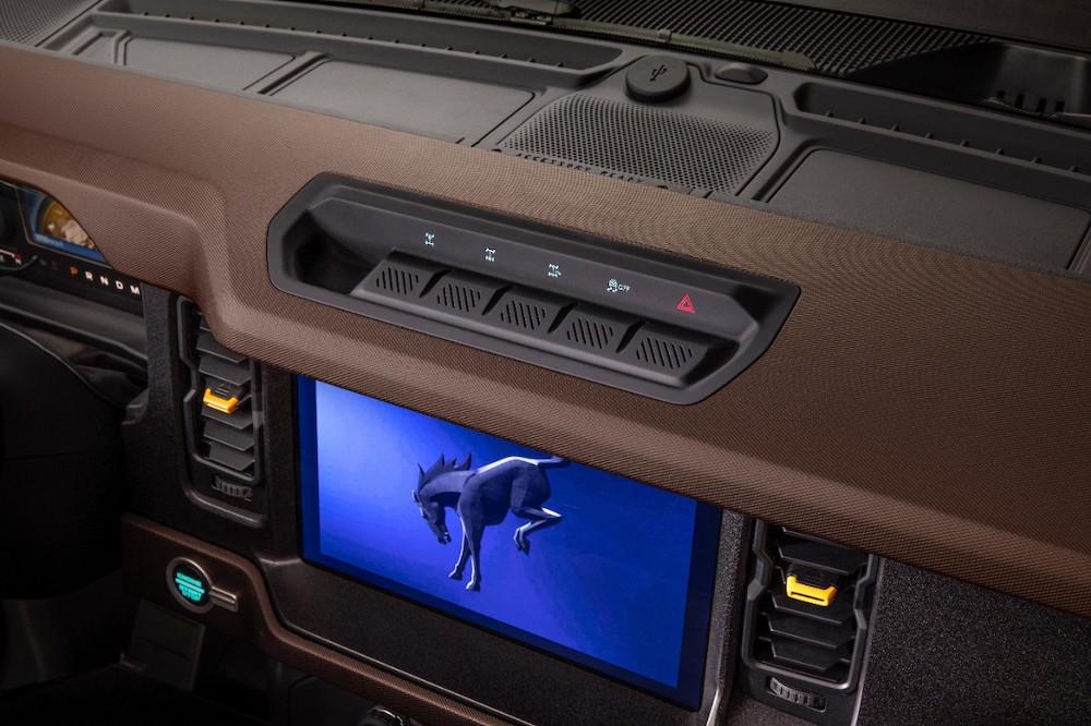Bronco 2dr Interior 06