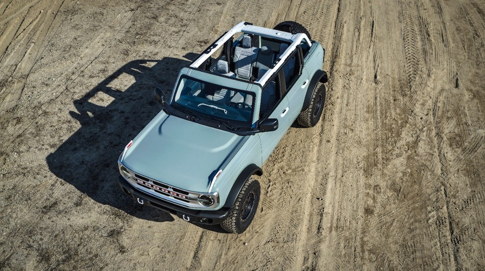 Bronco 4dr features 03