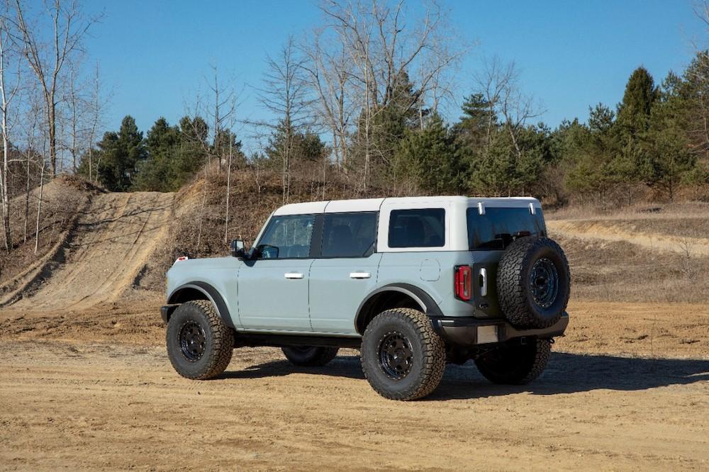 Bronco 4dr features 06