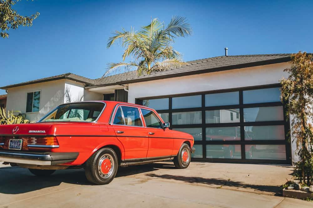 Clopay Avante GarageDoor 5475