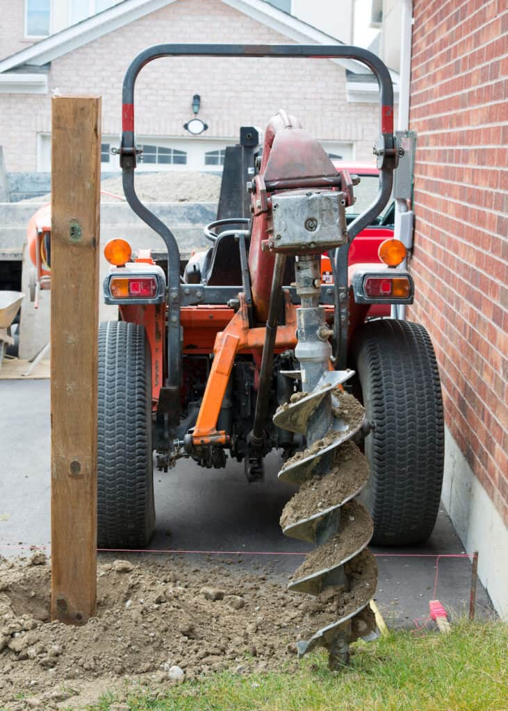 auger to dig holes