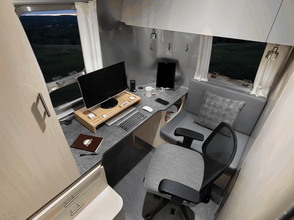 2021 Flying Cloud 30 Office Seattle Mist Office Propped WEB