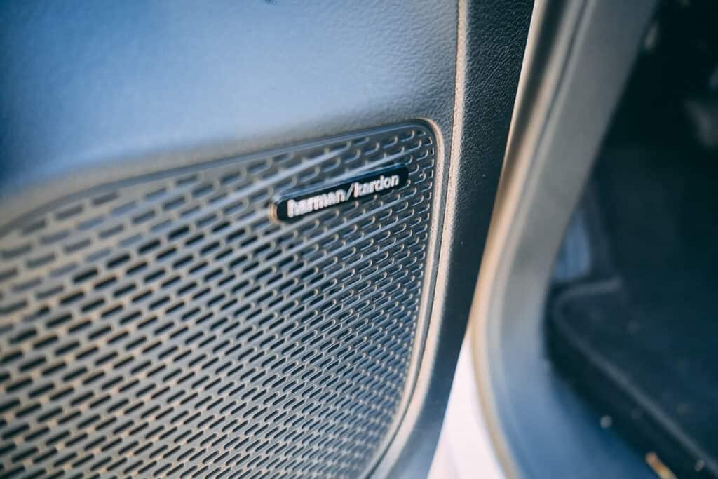 Chrysler Pacifica Photos Interior Exterior 13