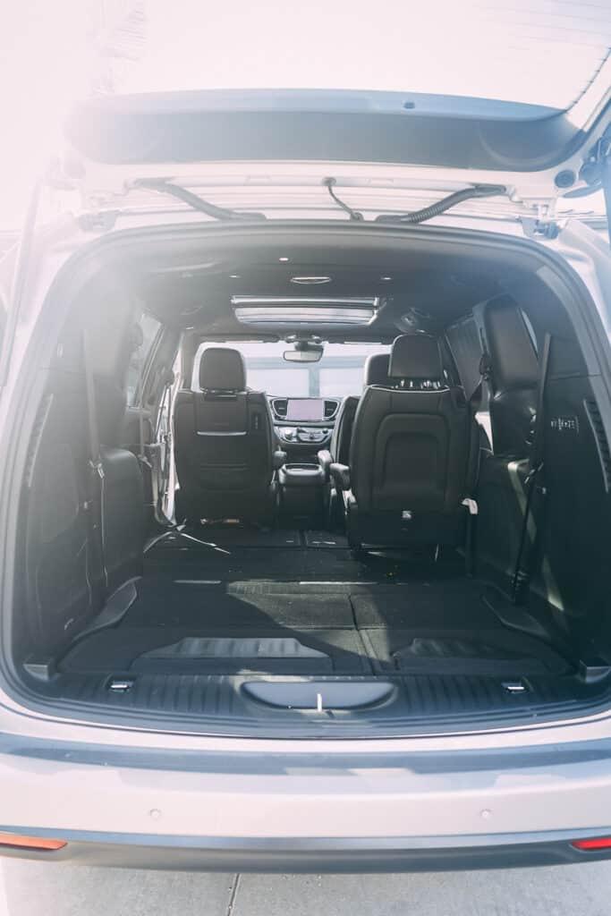 Chrysler Pacifica Photos Interior Exterior 30