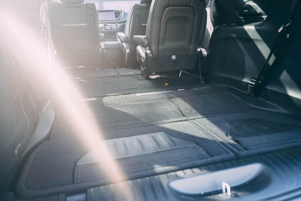 Chrysler Pacifica Photos Interior Exterior 32