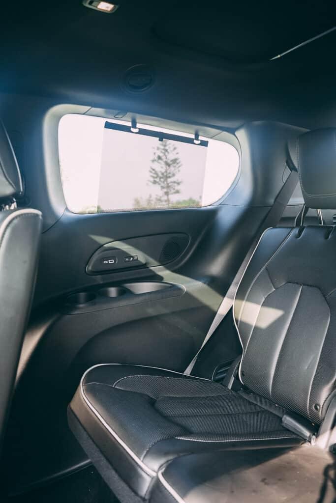 Chrysler Pacifica Photos Interior Exterior 38