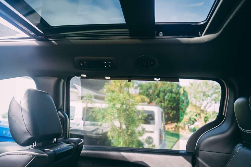 Chrysler Pacifica Photos Interior Exterior 39