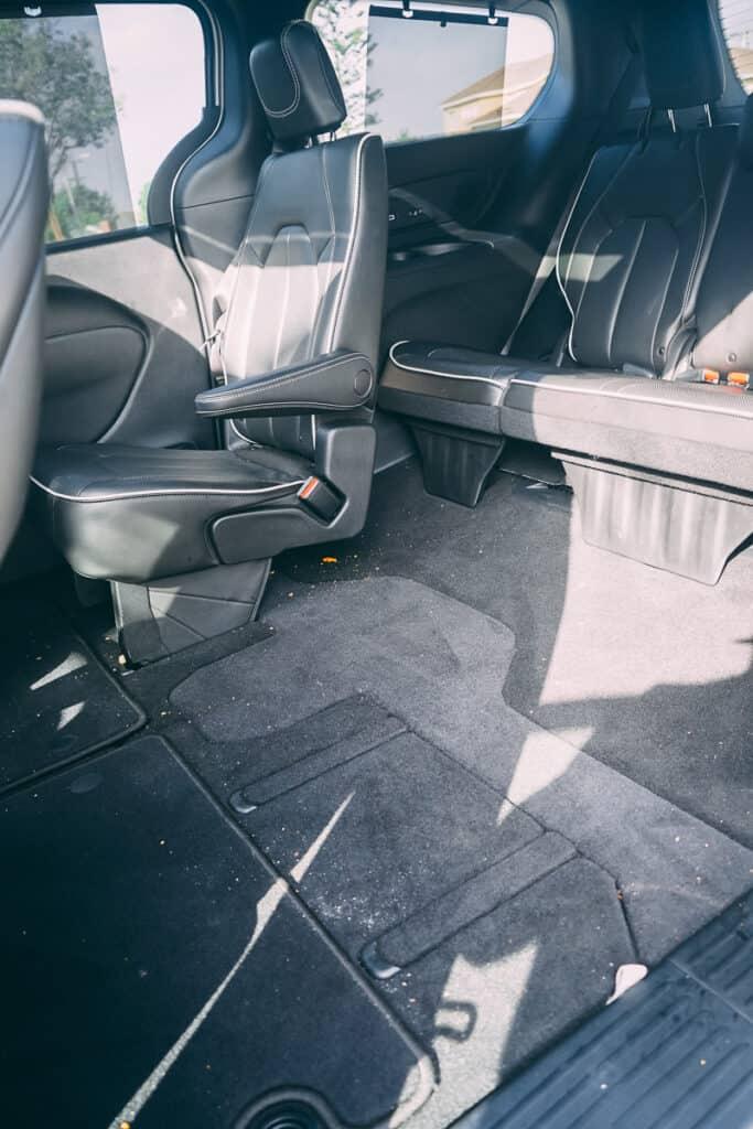 Chrysler Pacifica Photos Interior Exterior 42