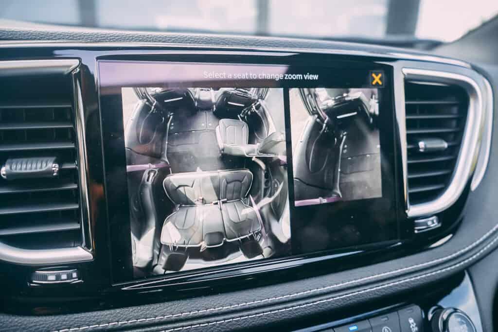 Chrysler Pacifica Photos Interior Exterior 52