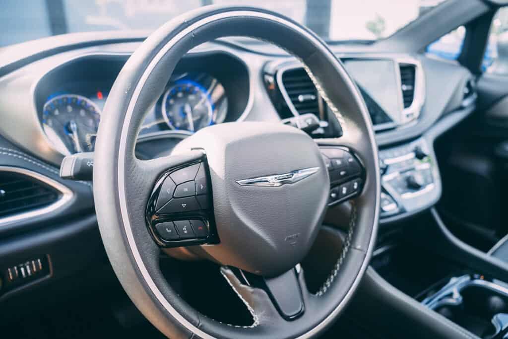 Chrysler Pacifica Photos Interior Exterior 55