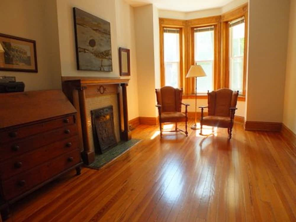 13a Front parlor with fireplace