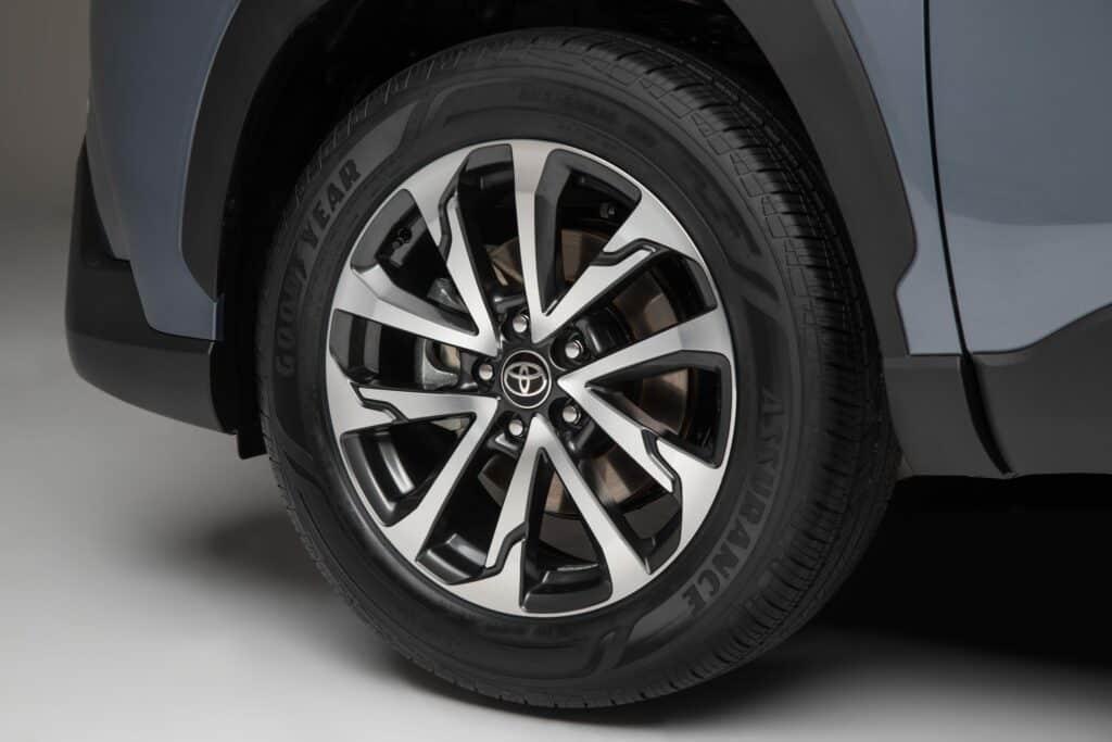 2022 Toyota Corolla Cross Celestite 014 scaled 1