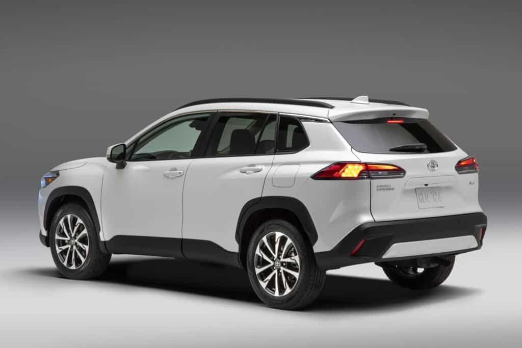 2022 Toyota Corolla Cross WindChillPearl 004 scaled 1